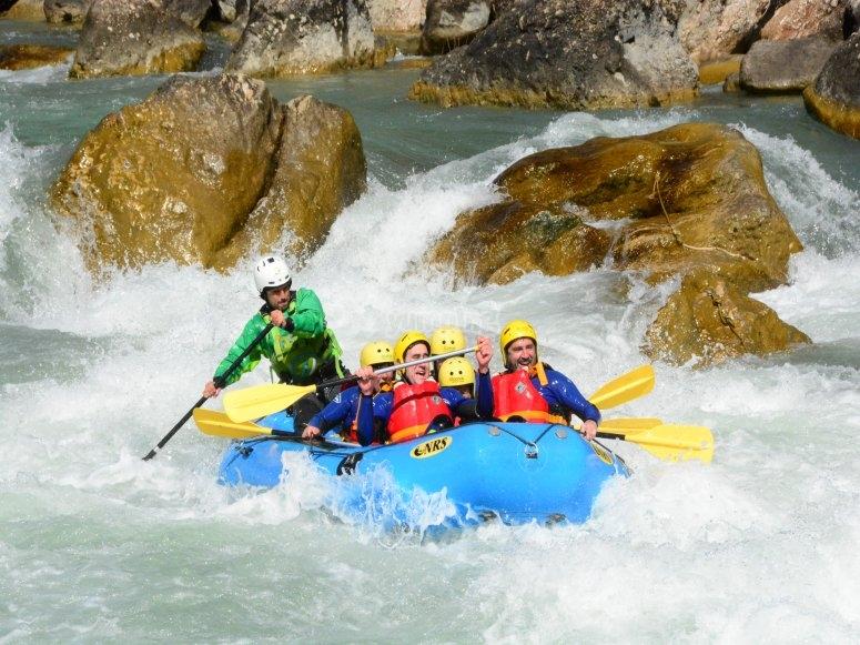 Rafting en aguas bravas del Pirineo