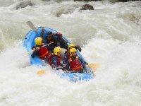 Disfrutando del rafting en el pirineo aragones