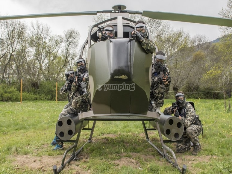 helicoptero militar paintball