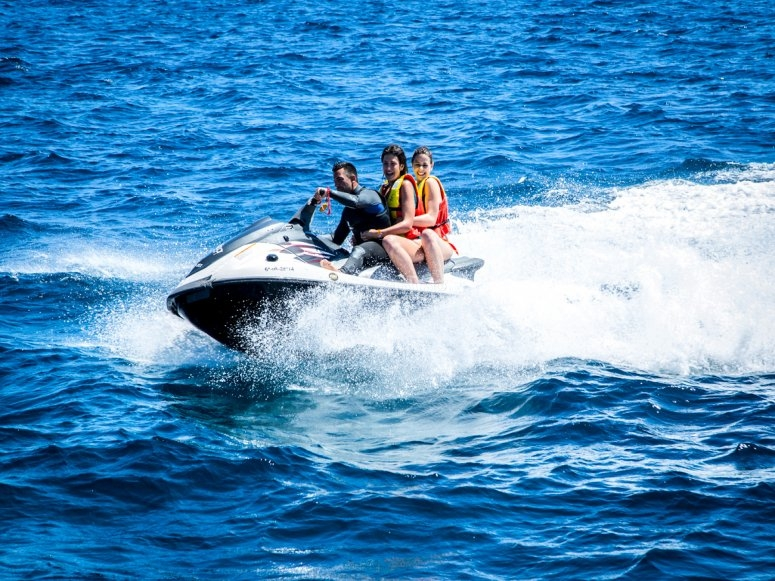 Giro in moto d'acqua