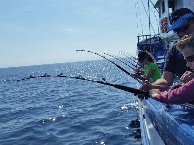 Día de pesca saliendo desde puerto de San Pedro 8h