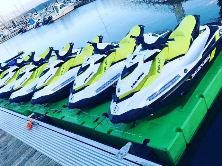 Flota de motos acuaticas