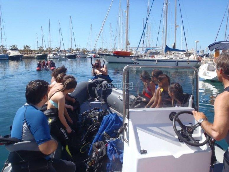 Pasajeros en la barca
