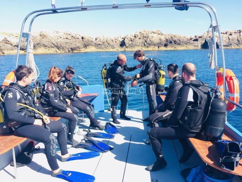 satando desde barco