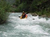 Descenso individual en kayak