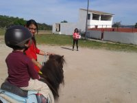 Chiquitin aprendiendo en pony
