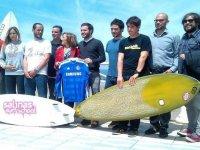 Surf Solidarion en Salinas Surf School