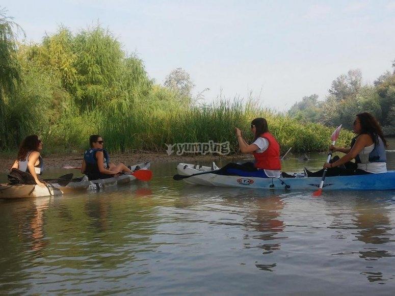 Navegar en canoa