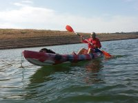 在Yeguas水库的独木舟航行和3小时野餐