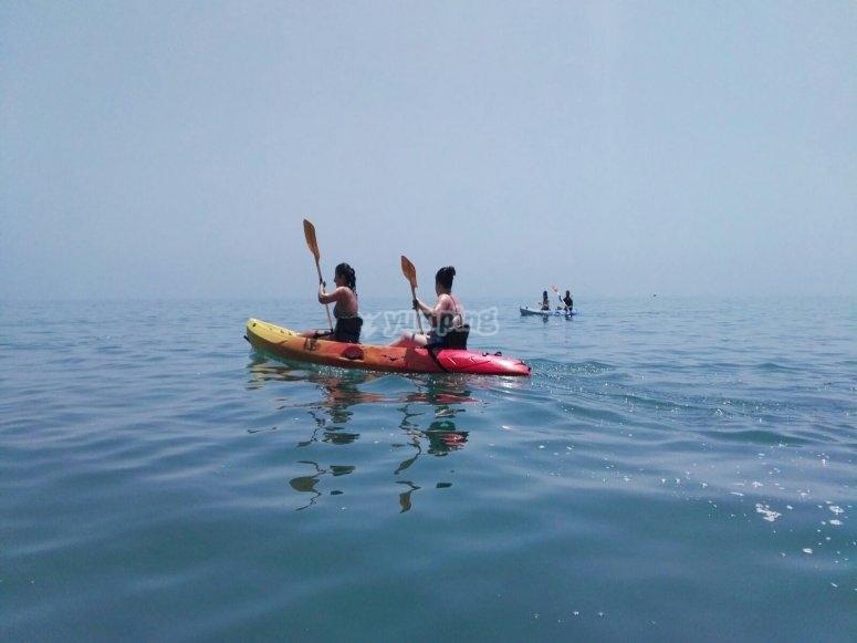Remando en kayak costa del Sol
