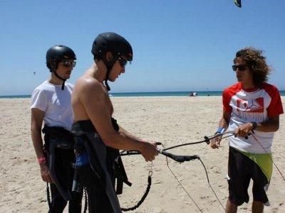 Curso de kitesurf en Tarifa, 1 día 3 horas