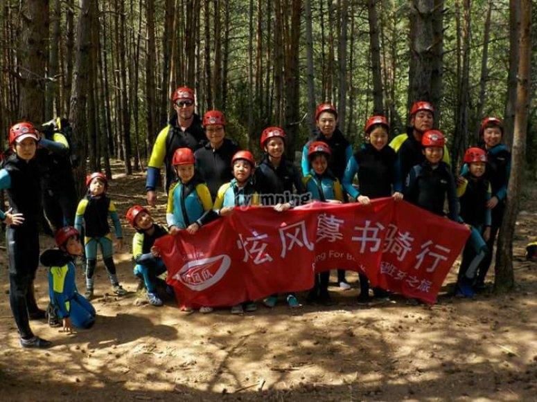 Visitantes de todo el mundo para hacer barranquismo en los Pirineos