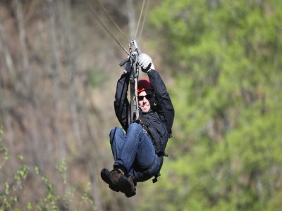 卡索拉的速降,攀岩,高空滑索和徒步旅行