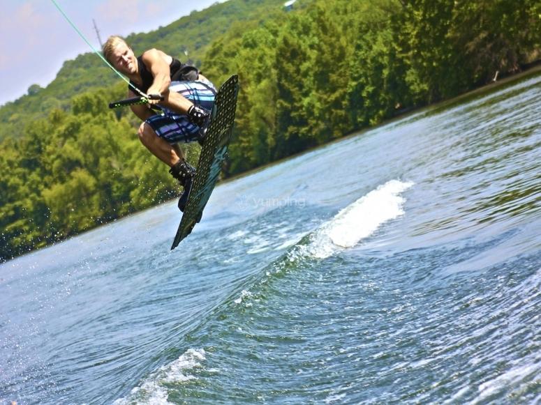 salto de wake board
