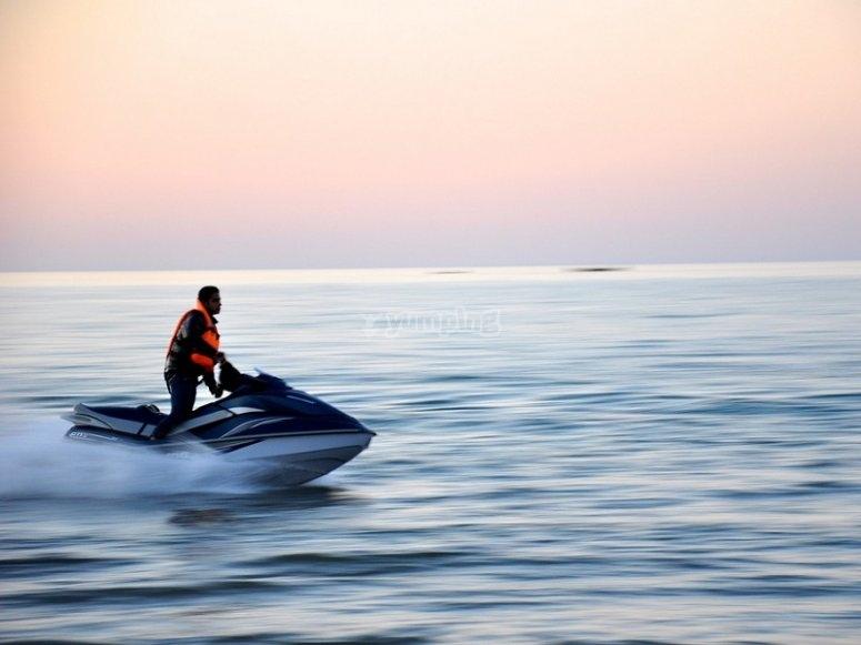 Acelerando en mar abierto
