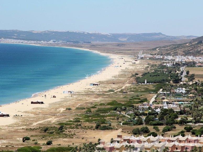 扎哈拉海滩非常适合冲浪