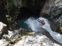 Barranquismo nivel II en Los Pirineos, 4 horas