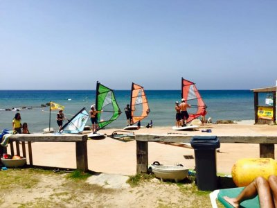 Clase windsurf iniciación adultos grupo Tarifa 2h