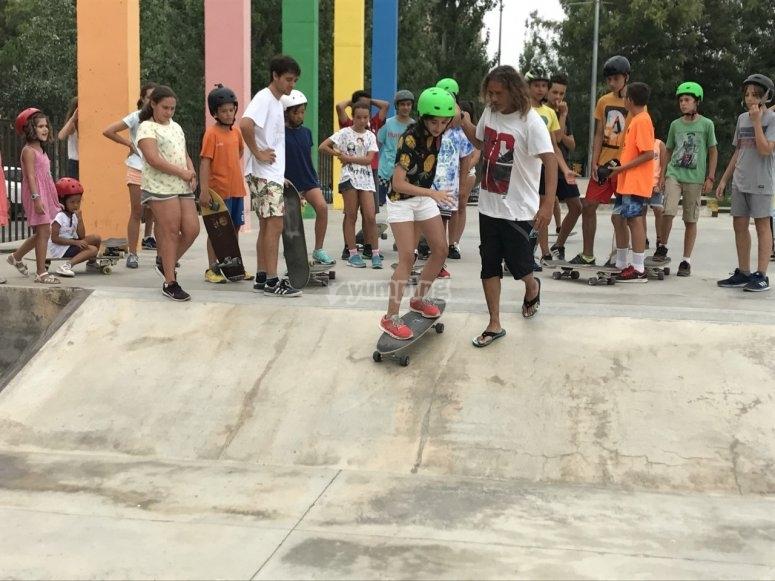 Skateboarding class at the skatepark