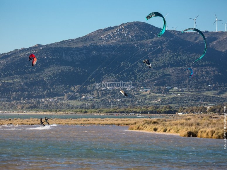 Kitesurfers en Tarifa