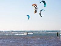 Practicar kitesurf en Cadiz para grupos