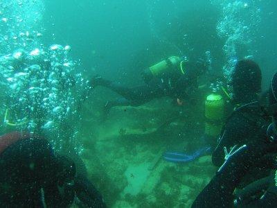 用设备在塔里法岛上双重潜水