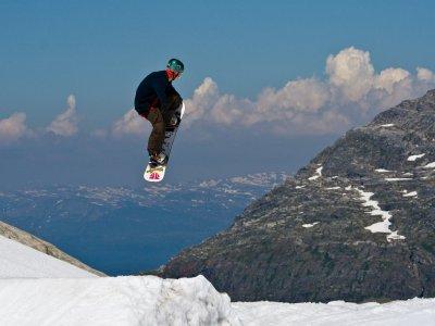 Skifamily Escuela de Esquí Snowboard