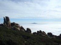 Ascenso sobre las nubes
