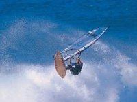 Practica el windsurf