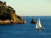 Departures by sailboat in Cambrils