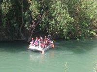 practicing rafting