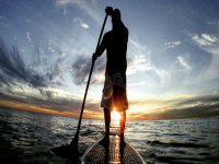 Paddle surfing through the waters of Tarragona