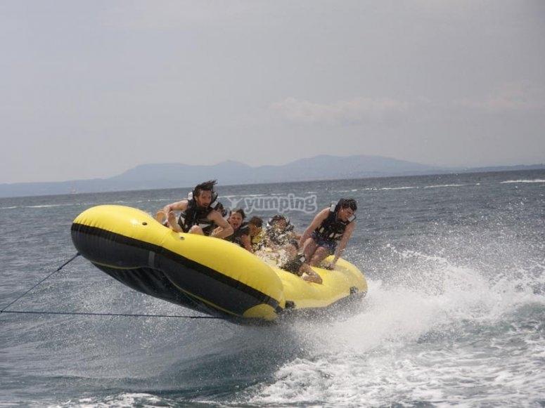 Saltando sobre el agua
