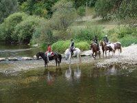 Remanso de paz en una ruta a caballo