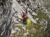 Asegurando las cuerdas de escalada