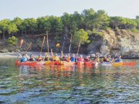 Clase familiar de kayak en Cap de Creus 2h