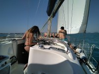 享受乘船摩托艇