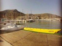 Nuestra banana boat en el puerto