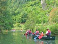 Giù nelle canoe