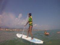 Avanzando con la tabla de paddle surf
