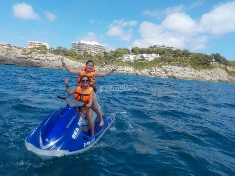 会话摩托艇水上摩托艇加速水运工具