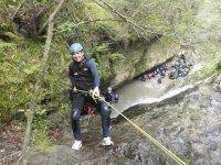 Practica descenso de barrancos en Asturias