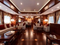 lussuoso soggiorno con divani