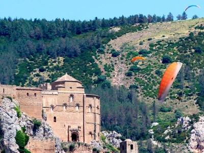 Volar en parapente en Loarre sobre castillo 20 min