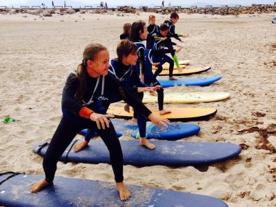塔里法海滩上的冲浪课程,2小时