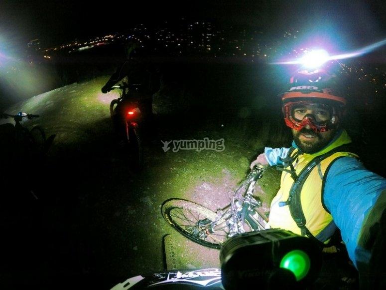 夜间自行车道
