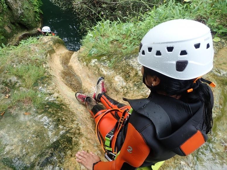 练习穿越峡谷的水平巴塞罗那