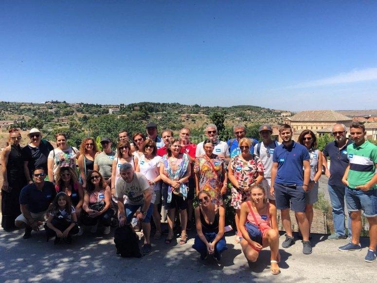 Foto de grupo de los turistas