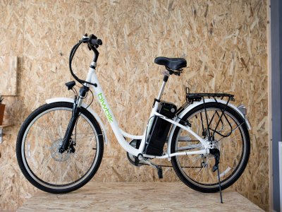 Alquiler bicicleta eléctrica Sunray200 en Bolnuevo