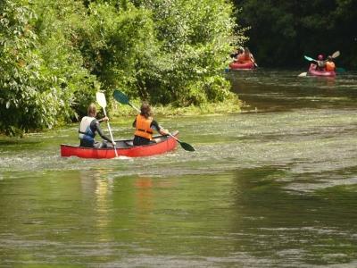 乘独木舟儿童2小时下降Eo河